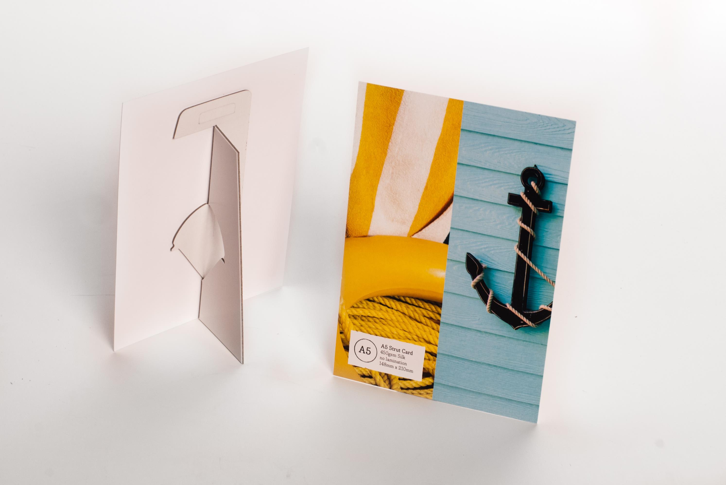 Strutcards